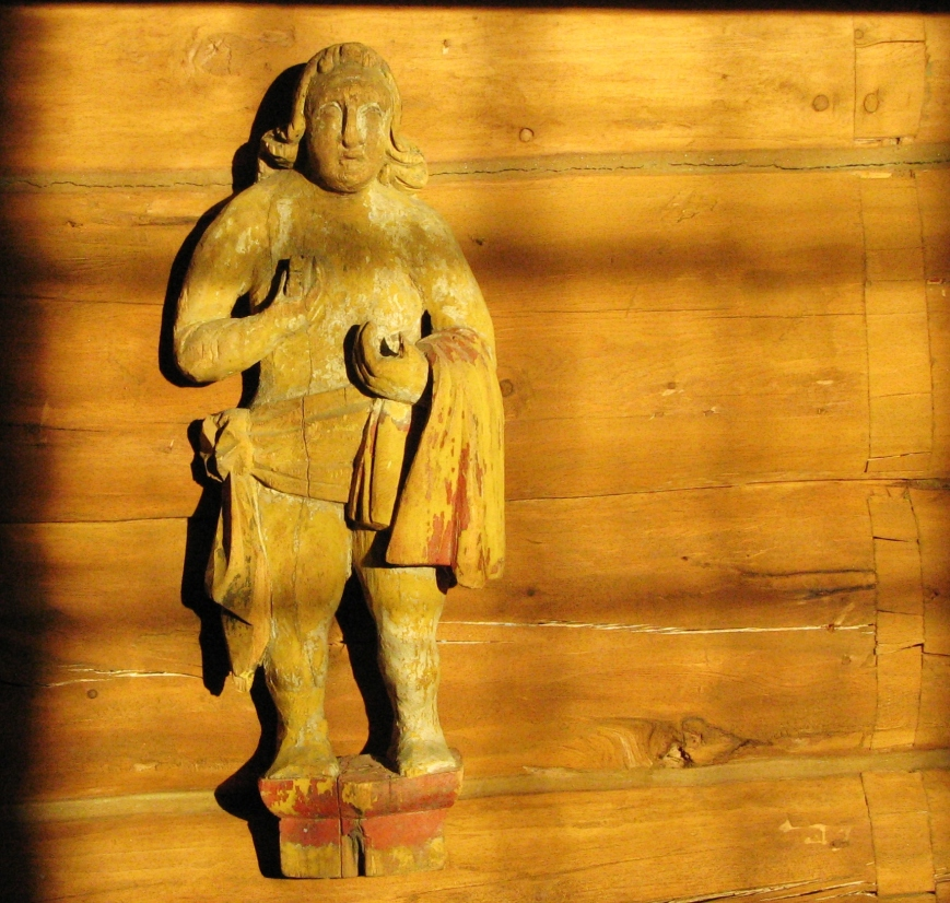 Old Statue in Oppdal church, washing each others feet