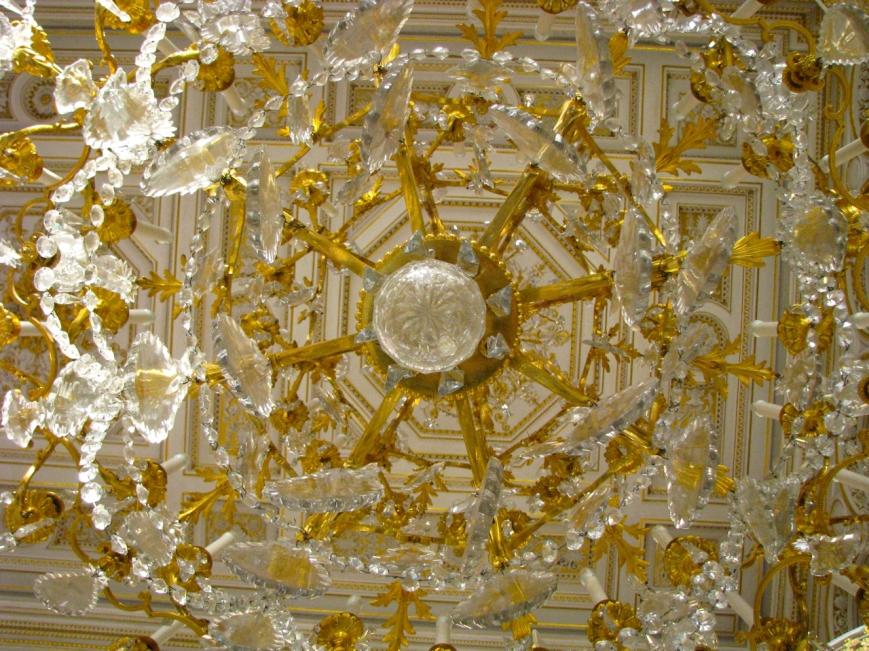 IMG_2251 chandelier 11 januar